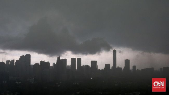 BMKG memperingatkan curah hujan tinggi akibat fenomena La Nina di Indonesia pada Desember 2020 hingga Februari 2021.