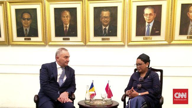 Kementerian Luar Negeri RI Marsudi meminta pemerintah Rumania memberikan akses bebas visa Rumania untuk warga negara Indonesia.