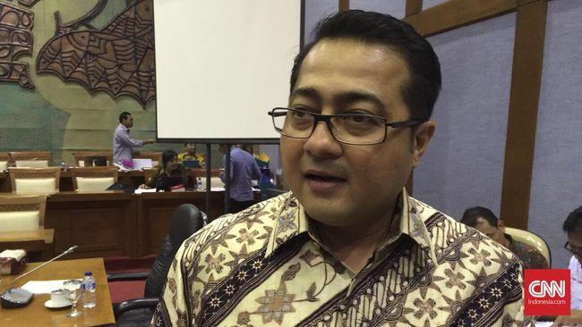Sekjen DPP Partai Demokrat Teuku Riefky Harsya tak sepakat dengan pihak Istana yang menyebut isu kudeta AHY urusan internal partai.