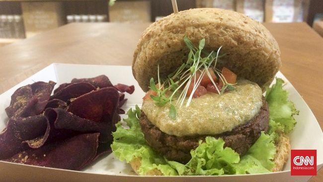 Sebuah restoran di Jakarta Selatan kini menawarkan burger yang lezat dan sehat, terutama bagi para vegetarian.