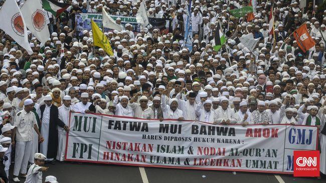 Bareskrim akan minta pendapat ahli pidana dan ahli bahasa untuk menyelidiki dugaan penistaan agama yang melibatkan Gubernur DKI Basuki Tjahaja Purnama.