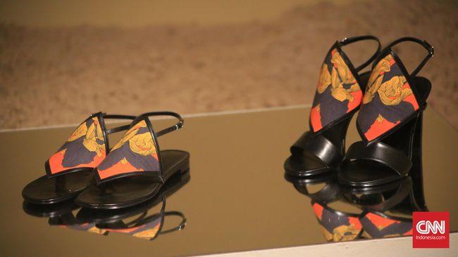 Dari sebuah rumah mode klasik nan mahal, siapa yang menyangka bahwa Hermes juga menciptakan sandal pantai?
