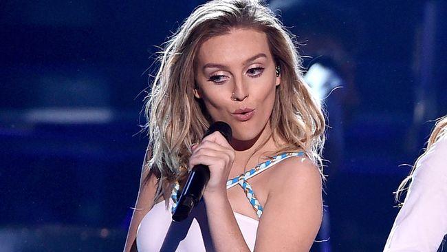 Salah satu anggota grup musik Little Mix, Perrie Edwards umumkan kehamilan anak pertama melalui akun Instagram pribadi.