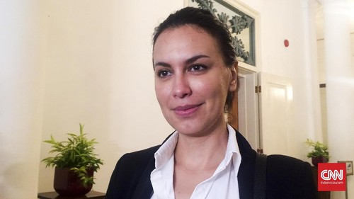 Kampanye Belum Dimulai, Sophia Latjuba Sudah Ikuti Ahok
