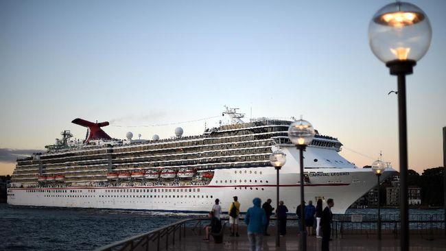 Kapal pesiar asal Jepang, Diamond Princess, dikarantina di laut karena seorang penumpang mengidap virus corona.