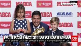 Kalahkan Ronaldo, Suarez Raih Sepatu Emas