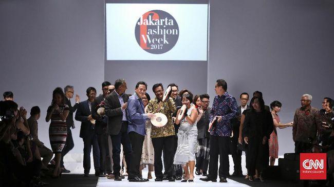 Untuk pertama kali, dua label asal India bergabung di Jakarta Fashion Week (JFW). Mereka juga melirik peluang bisnis di Indonesia.