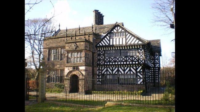 Manchester memang surganya sepak bola. Namun kota di barat laut Inggris ini juga memilik banyak bangunan kuno yang memikat.
