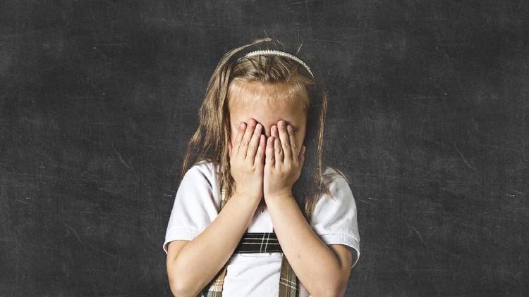 Bullying nggak cuma buruk bagi fisik dan mental anak lho, Bun. Hormon pertumbuhan pun bisa terhambat gara-gara bullying.