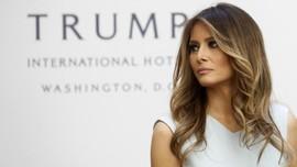 Melania Trump Kena Nyinyir Netizen karena Stiletto 10 Senti