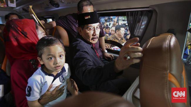 Ketua KPK Agus Rahardjo mengatakan telah mengirimkan undangan silaturahmi untuk Antasari. Rencananya, pertemuan akan digelar besok, Jumat (11/11), siang.