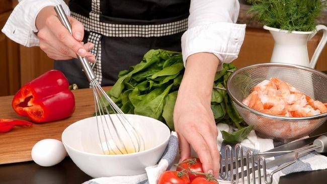 Bella Pearson, chef belia berusia 14 tahun, mengampanyekan gaya hidup sehat kepada kalangan sebaya di Uni Emirat Arab.