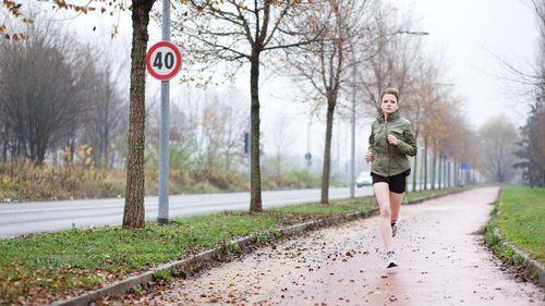 Butuh Olahraga Berapa Lama untuk Mengimbangi Duduk Terlalu Lama?