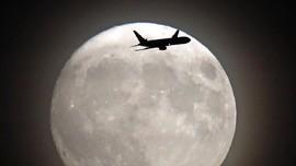Tiket Pesawat 'ke Mana Saja' Nonton Supermoon Ludes 2,5 Menit