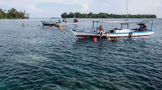 Selama ini pengembangan akses transportasi di kepulauan seribu hanya fokus pada pulau-pulau berpenghuni dan resort.