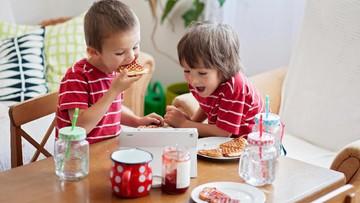 Jadwal dan Aturan Menu Makan Anak yang Perlu Bunda Tahu