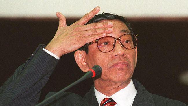 Mantan Menteri Keuangan 1993-1999 Mar'ie Muhammad saat ini dirawat di Rumah Sakit Pusat Otak Nasional, Cawang, Jakarta Timur.