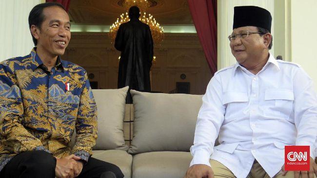 Pengamat politik CSIS Arya Fernandes mengatakan masyarakat lelah dengan isu yang fokus pada Prabowo dan Jokowi. Ini bisa menurunkan partisipasi di Pilpres 2019.
