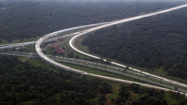 tol tersebut mampu memangkas jarak tempuh Kualanamu-Parapat menjadi 1,5-2,5 jam. Sebelumnya, jarak tempuh Kualanamu-Parapat mencapai sekitar 3-4 jam.