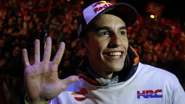 Sepuluh pebalap termasuk Marc Marquez dan Maverick Vinales akan beradu video game untuk mengisi kekosongan penundaan MotoGP 2020.