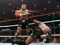 FOTO: Sensasi Cakap Tyson si Leher Beton
