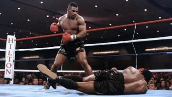 Prediksi Mike Tyson vs Roy Jones