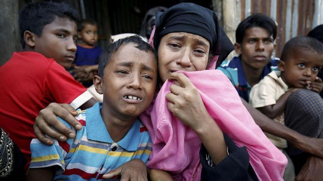 Sejumlah pengungsi Rohingya berdemonstrasi di kamp penampungan di Bangladesh untuk menolak pemulangan mereka ke Myanmar jika tidak ada jaminan keamanan.