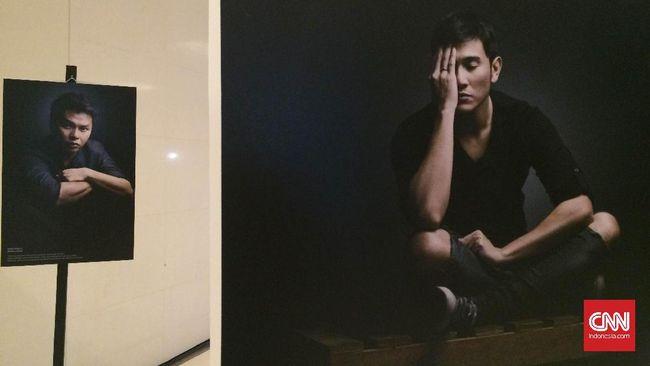 Lebih dari 50 laki-laki dari beragam profesi memamerkan hasil karya foto mereka, menyoal kekerasan dari sudut pandang masing-masing.