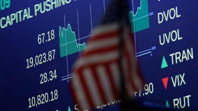 Presiden AS Donald Trump berencana mengusir perusahaan China dari daftar perusahaan yang terpampang di bursa saham AS, demi membatasi investasi AS.