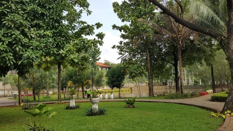 Intip lima taman yang indah dan bagus untuk tempat wisata keluarga di Jagakarsa, Jakarta Selatan. Kelima taman ini ramah anak lho, Bunda.