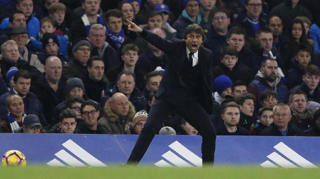 Manajer Chelsea, Antonio Conte, meminta agar penggunaan teknologi tayangan ulang atau video assistant referee (VAR) dalam Liga Primer Inggris ditingkatkan.