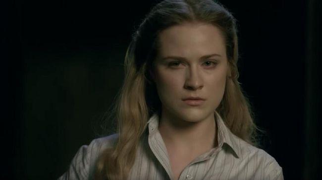 Dalam Westworld season 3, Dolores diceritakan memiliki hubungan dengan Caleb di neo-Los Angeles dan mempelajari cara robot diperlakukan di dunia nyata.