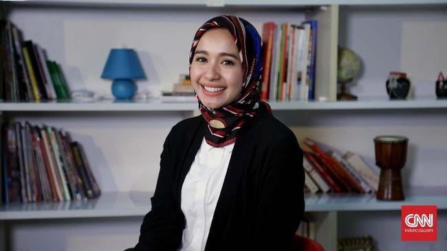 Sosok terkenal dan dianggap memiliki kepribadian Islami, membuat sejumlah artis kerap disasar pebisnis untuk menjadi model iklan umrah.