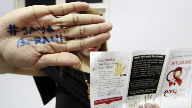 Bentuk ketidakpahaman masyarakat dapat dilihat dari banyaknya anggapan bahwa HIV dapat menular melalui udara dan nyamuk.