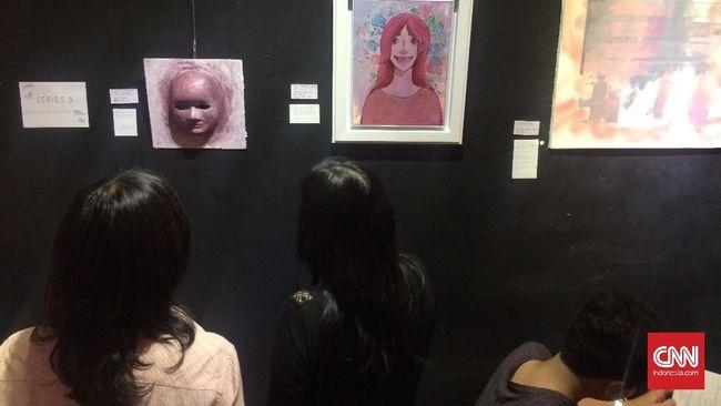 Rosa Guerinoni menampilkan sejumlah lukisan seri perjalanan emosional melewati perceraian orangtua. Menyentuh hati sekaligus mengusung sebuah aksi.