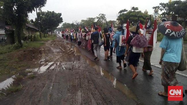 Suku Anak Dalam dan petani Jambi menagih janji Jokowi dalam menyelesaikan konflik lahan yang melibatkan PT Berkat Sawit Utama/PT Asiatic Persada.