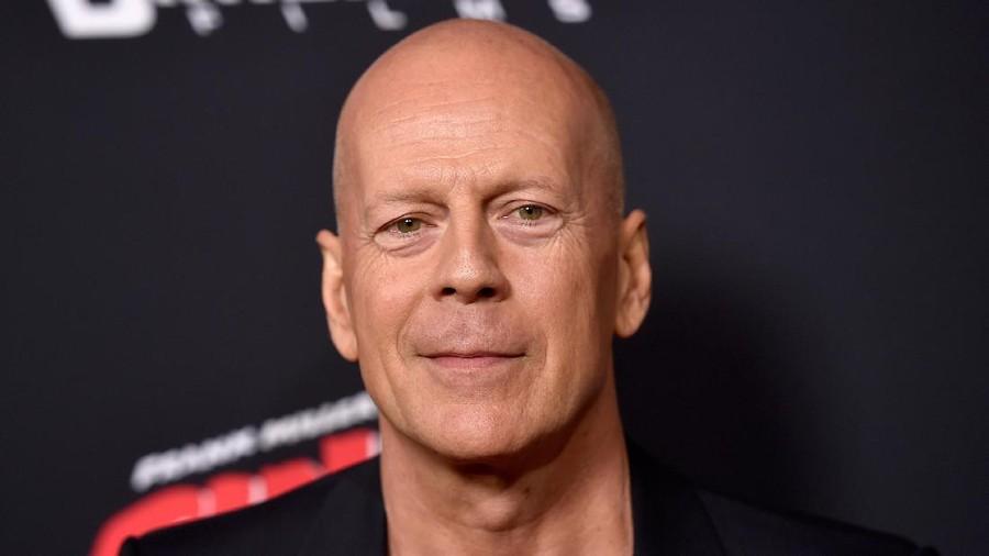Saat Bruce Willis dan Mantan Istri 'Bersatu' Lagi di Ultah Anak