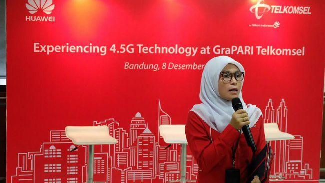 Kecepatan internet yang ditawarkan ini dua kali lebih cepat dari 4G dan merupakan batu loncatan menuju jaringan 5G di Indonesia.