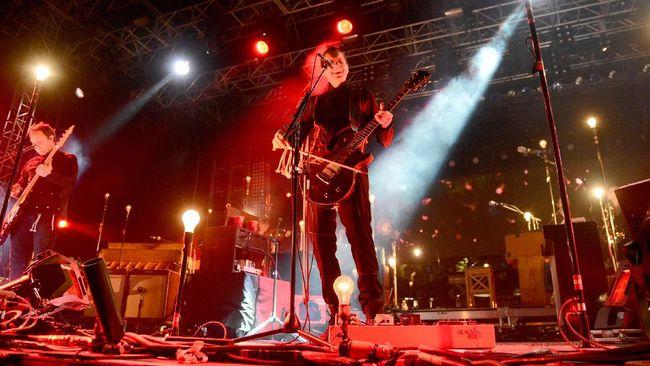 Jonsi Birgisson mengatakan akan merilis materi baru pada April 2020. Namun dalam unggahan itu ia tidak menyebutkan tanggal maupun judul album secara spesifik.