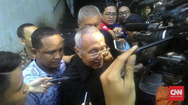 Permadi dilaporkan atas dugaan perbuatan makar oleh Ketua Yayasan Bantuan Hukum Kemandirian Jakarta, Josua Victor.