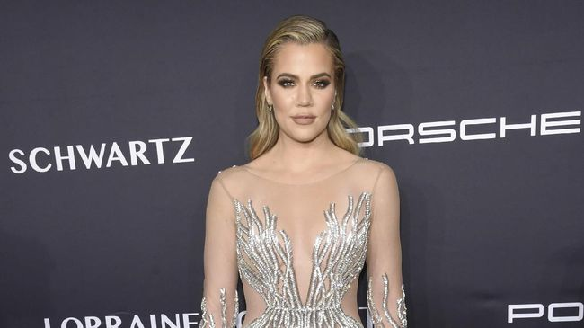 NEW YORK, NY - NOVEMBER 21: Khloe Kardashian attends the 2016 Angel Ball hosted by Gabrielle's Angel Foundation For Cancer Research on November 21, 2016 in New York City.   Jamie McCarthy/Getty Images for Gabrielle's Angel Foundation/AFP
