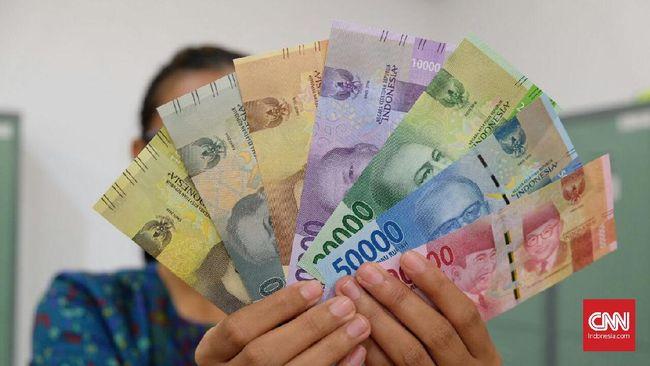 Jokowi melalui Omnibus Law Cipta Kerja menghilangkan inflasi dan dewan pengupahan dalam penentuan UMP.