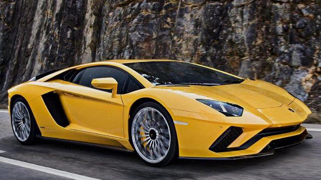 Suharyanto dari awal terinspirasi Lamborghini Aventador. Ia memodifikasi mobil menggunakan knalpot yang diciptakan khusus agar mengeluarkan suara menggelegar.