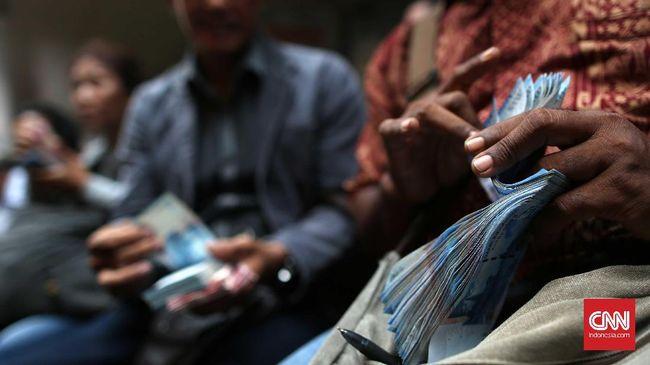 Menkeu Sri Mulyani menggratiskan pajak gaji karyawan sektor manufaktur selama 6 bulan supaya tahan dari 'infeksi' virus corona.