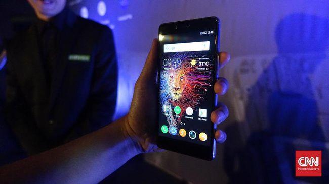 Infinix mulai berani tampil dengan ponsel yang menyasar segmen menengah atas melalui Zero 4 dan Zero 4 Plus yang dibanderol Rp3 juta dan Rp3,7 juta.