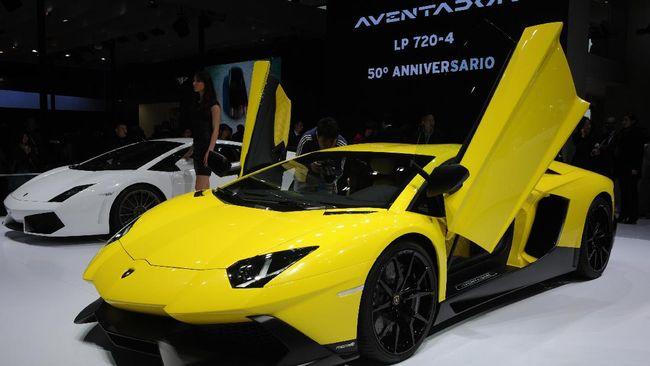 Lamborghini Aventador produksi 2012-2017 di Amerika Serikat pernah ditarik untuk kasus kebakaran mesin.