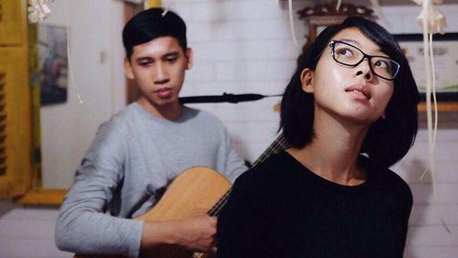 Berawal dari iseng, Banda Neira jadi punya dua album selama berkarya, yang dirilis pada 2013 dan 2016. Tapi sekarang band itu terpaksa bubar.