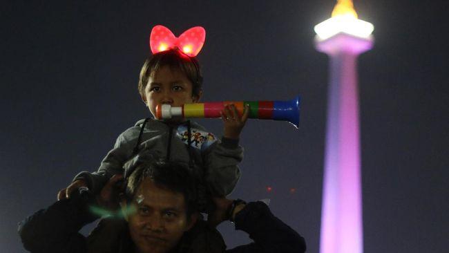 Pemprov DKI Jakarta bakal memadamkan lampu di tujuh simbol Kota Jakarta selama satu jam mulai 20.30 WIB untuk memperingati Hari Bumi.