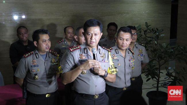 Polisi sedang memeriksa sejumlah ahli dan saksi dalam rangka penyelidikan atas laporan terhadap aktivis Sri Bintang Pamungkas.