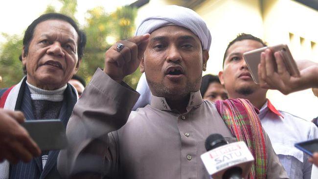 Jubir PA 212, Novel Bamukmin, dicecar 33 pertanyaan saat diperiksa selama sekitar 7,5 jam sebagai saksi dalam kasus penganiayaan Ninoy Karundeng.